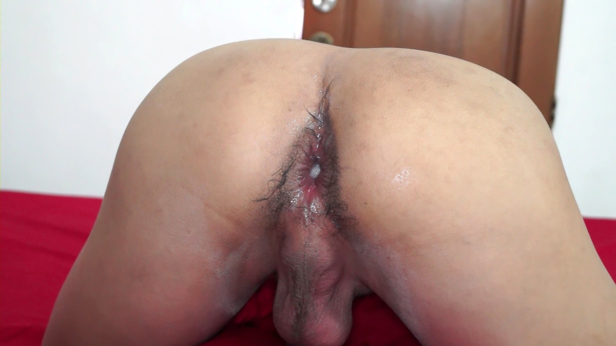 twink crossdresser strokes his cock solo xvideos