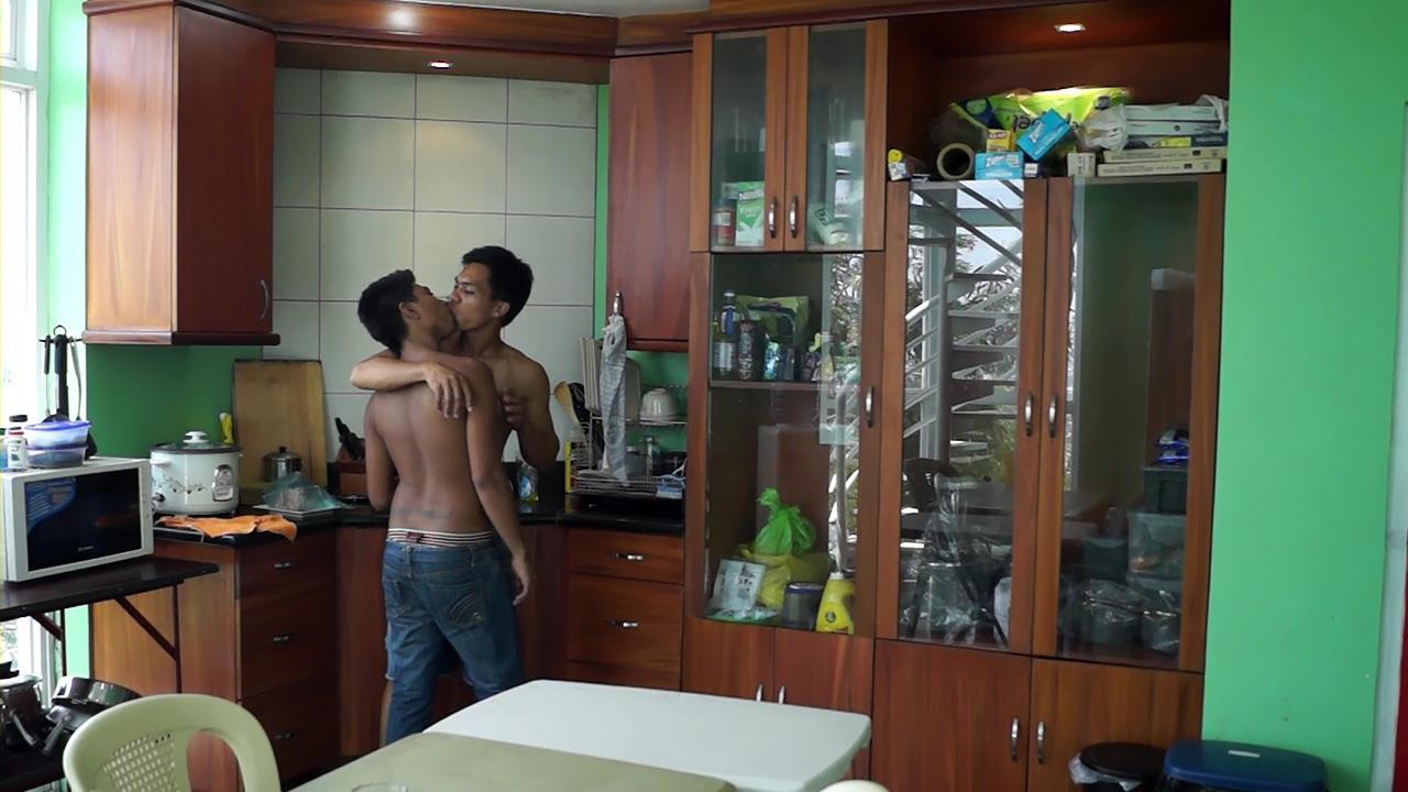 Gay-Asian-Twinkz-Argie-and-Josh-Big-Asian-Cocks-Barebacking-Twinks-Amateur-Gay-Porn-01.jpg